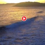 Buceando las olas del Sardinero al amanecer
