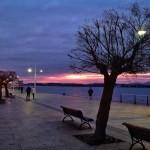 De paseo al alba por el Muelle Calderon