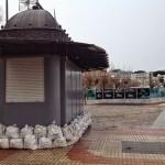El Sardinero se prepara ante la posibilidad de una crecida de las aguas de la mar