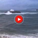 La mar pega de lo lindo en la isla de Mouro