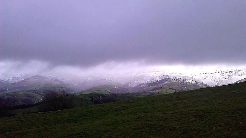 montes-pasiegos-nieve-primavera