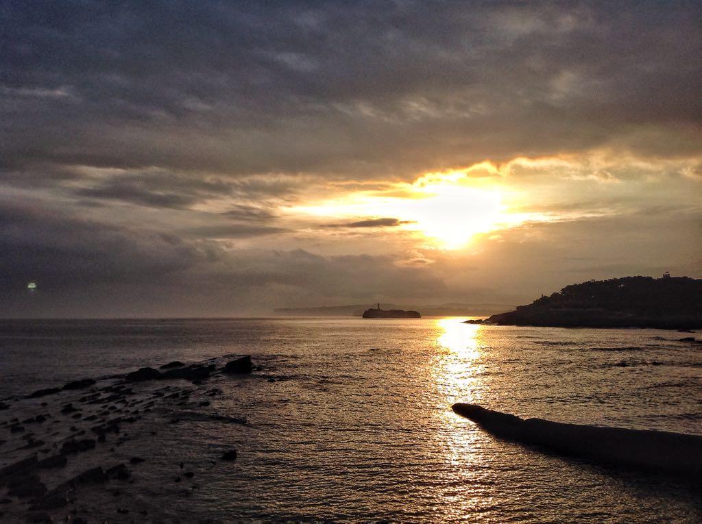 isla-mouro-amanecer-nublado