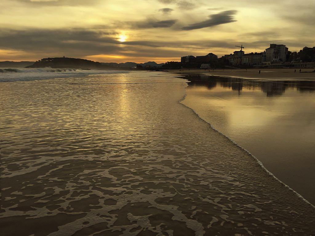 sardinero-orilla-amanecer