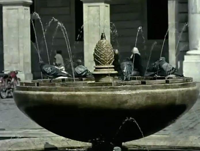 fuente-plaza-porticada-1958