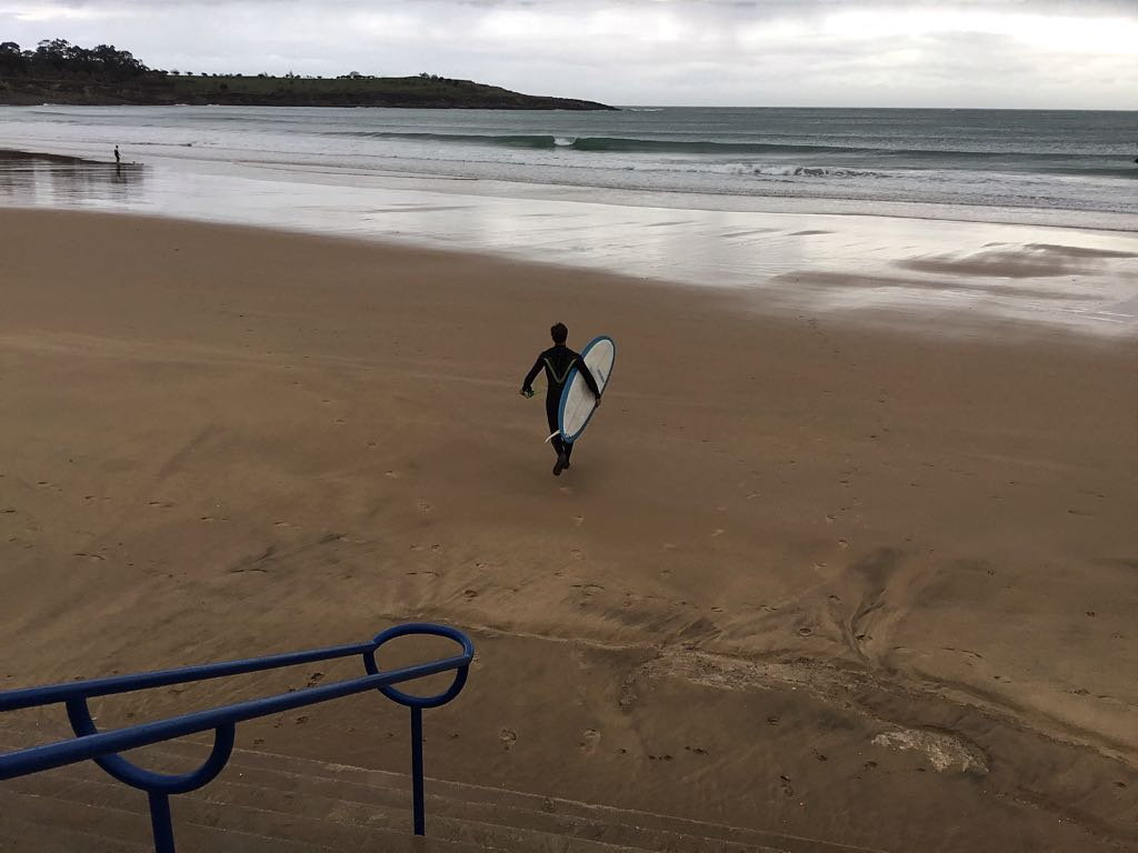 ola-surfer-sardinero