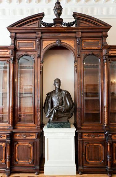 palacio-magdalena-busto-alfonso XIII