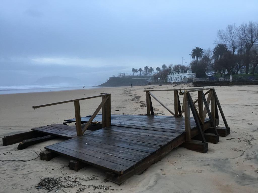 temporal-santander-barandilla-playa