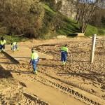 Comienza el relleno de arena y el arreglo de la pasarela en la playa de Los Peligros