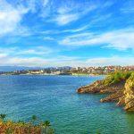 Paleta de azules en el cielo y la mar de la bahía y el Sardinero