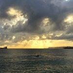 Un amanecer que juega con las nubes