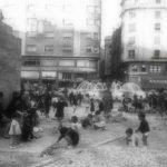 Ambientazo en la plaza del Ayuntamiento de Santander hace unos 'pocos' años