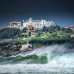 Santander desde el mirador de Los Tranquilos un día de marejada