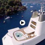 El yate de 260 millones que está en Santander a vista de dron