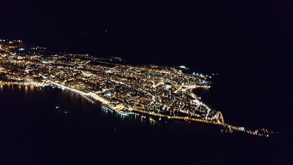 santander-nocturno-avion