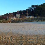 La helada deja las playas de Santander bien blancas
