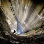 Por aquí se entra al pozo vertical más largo de España, descubierto este verano en Porracolina