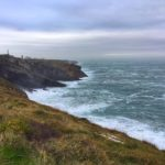 Mar batida, faro y algunos cabos sueltos