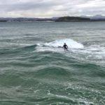 Un poco de surf para empezar el día