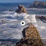 El incesante batir de las olas en Costa Quebrada