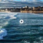 Las olas del Sardinero y su manto blanco