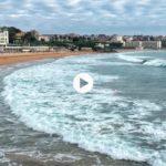 Mar juguetón en el Sardinero