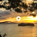 Amanece sobre la isla de Mouro y mirarlo nos hace un poco más felices
