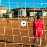 Domingo por la mañana y bajamar es igual a futbol playa en el Sardinero