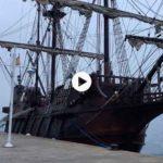 Impresiona el tamaño del galeón Andalucía, atracado en el muelle Calderon