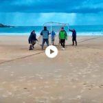 Domingo es día de fútbol playa en el Sardinero