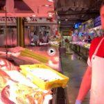 ¡Cuánta alegría tienen los pescaderos de la plaza de la Esperanza! Así da gusto