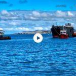 Remolcadores en acción en la bahía de Santander