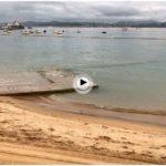 Por la tarima de la playa de los Peligros a las 8 de la mañana