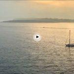 Amanecer mirando a Mouro acompañado de velero
