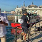 Pillamos a Juan Pablo Carpintero y al equipode Aquí La tierra preparando uno de sus reportajes en Santander