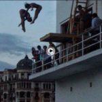 Saltos de trampolín desde la fachada del Marítimo. Año 2005