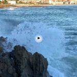La belleza de la ola cuando llega al Sardinero