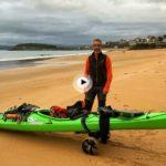 Sechu López recorre el Cantábrico en Kayak. Ayer llegó a Santander y nos cuenta su aventura
