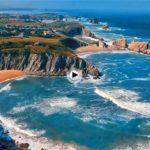 El juego de las olas de La Arnía y Covachos