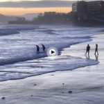 La primera del Sardinero engullida por la mar