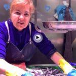 Marta nos cuenta a qué precio está hoy el pescado en el mercado de la Esperanza